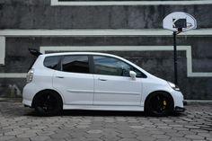 White Honda Jazz GD3 Noblesse Sp J's Racing