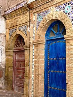 Marrakesh  That door could be the bodice. Make it out of t-shirt strips and knot it to give it the look of this door. Dye it this exact color.