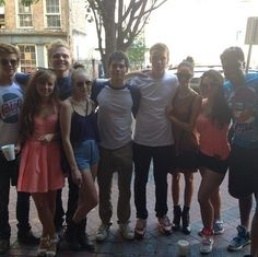 dylan obrien with the maze runner cast