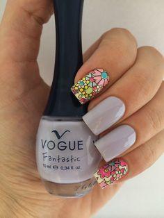 """Como me encanta este color """"Luna"""" de @voguecosmeticos / usando vinilos para uñas de 'Sally Hansen' Sally Hansen, Vogue Nails, Hair Beauty, Make Up, Polish, Nail Art, Outfit, Nail Art Designs, Fingernail Designs"""