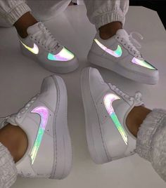 fresh shoes nike nike ,airforce ,sneaker ,schuhe The post So Fresh appeared first on beste Schuhe. Source by melinahubjer outfits aesthetic Cute Nike Shoes, Cute Sneakers, Nike Air Shoes, Best Sneakers, Sneakers Fashion, Shoes Sneakers, Nike Sandals, Nike Custom Shoes, Shoes Trainers Nike