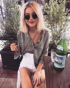 "633 Likes, 5 Comments - Laura Jade Stone (@laurajadestone) on Instagram: ""Hello weekend ✨ wearing @lulus """