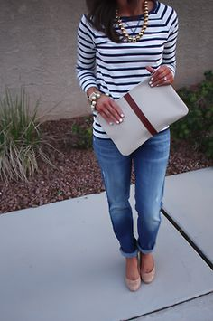 Love the clutch and outfit. Would've picked different shoes... Casual Outfits, Fall Outfits, Cute Outfits, Fashion Outfits, Womens Fashion, Casual Friday Outfit, Casual Fridays, Work Outfits, Work Fashion