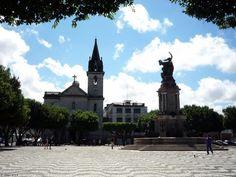 Igreja e a praça de São Sebastião / Manaus - AM