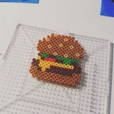Burger mini perler beads by vablackbelt Perler Bead Designs, Perler Bead Templates, Hama Beads Design, Diy Perler Beads, Perler Bead Art, Pearler Beads, Fuse Beads, Melty Bead Patterns, Pearler Bead Patterns