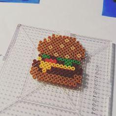 Burger mini perler beads by vablackbelt