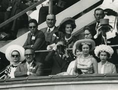 Princess Grace of Monaco and Queen Elizabeth II in the same picture! Ascot Opening, 1966 I've been looking for such a photograph for ages! One of my dreams has come true tonight! My eternal gratitude to Ruby (Fab-Ingrid), who very generously shared this gem with me! ♥