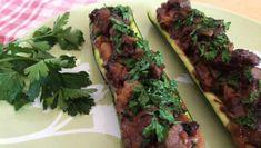 Diese Boote sind eine tolle Variante der klassischen Zucchini ➤ Kokosmilch und Koriander geben dem Gericht eine exotische Note ➤ Muss man ausprobieren!