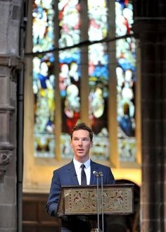 Benedict speaking at Leicester Cathedral for his relative Richard III. I love that cathedral and went there with the Vaughans.