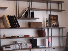 Bibliothèque sur mesure bois métal - MICHELI Design Shelving Systems, Book Storage, Vintage Decor, Wall Design, Bookcase, Jute, Loft, Shelves, Living Room