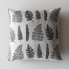 Ferns Pillow Case Black por ameliemancini en Etsy