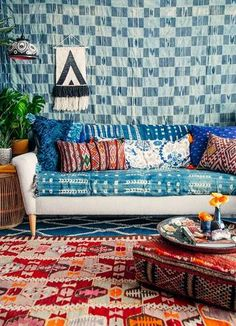 Bohemian Bedroom Decor Ideas - Figure out how to understand bohemian area decoration with these bohemia-style areas, from diverse bedrooms to loosened up living rooms. Bohemian Furniture, Bohemian Bedroom Decor, Boho Room, Bohemian Interior, Home Decor Bedroom, Bohemian Decorating, Decorating Ideas, Decor Ideas, Bedroom Chair