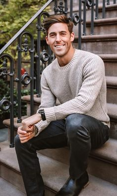20 Amazingly Cool Fall Outfits for Men to try in 20 Amazingly Cool Fall Outfits for Men to try in Mens Autumn Fashion- Sweater and Pants<br> Insanely cool fall outfits for men Mens Fall Outfits, Outfits Winter, Summer Outfits Men, Summer Men, Mens Sweater Outfits, Cool Outfits For Men, Sweater For Men, Mens Jeans Outfit, Men's Casual Outfits