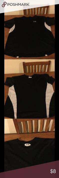 Underarmour Men's Medium Athletic Top Black and white athletic top.  Short sleeve.  Men's medium.  By Underarmour.    Good condition.  Important:   All items are freshly laundered as applicable prior to shipping (new items and shoes excluded).  Not all my items are from pet/smoke free homes.  Price is reduced to reflect this!   Thank you for looking! Under Armour Tops Tees - Short Sleeve