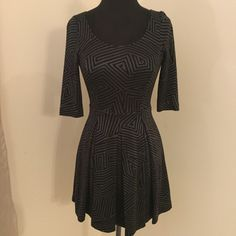 Armani Exchange Dress Obsessed with this dress. It'll fit a 2/4 so it was a tad tight for the mannequin. Feel free to make an offer :) Armani Exchange Dresses Mini