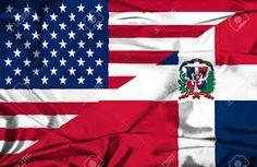 Las banderas de la Republica Dominicana y los Estados Unidos.
