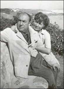 POESÍA: TU RISA (PABLO NERUDA) Pablo Neruda, Two Of A Kind, The Power Of Love, World Literature, My Poetry, Great Words, Memoirs, Rock Bands, Famous People