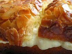 Bee Sting Cake – Recipes Bee Sting Cake, Delicious Desserts, Yummy Food, Smooth Cake, Almond Cakes, Breakfast Cake, Pasta, Desert Recipes, Let Them Eat Cake