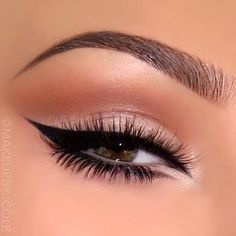Neutral eyes with gorgeous glam liner … (Beauty Nails Winged Eyeliner) Gorgeous Makeup, Pretty Makeup, Love Makeup, Makeup Inspo, Makeup Inspiration, Makeup Style, Neutral Makeup Look, Simple Makeup, Natural Eyebrows
