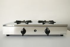 主張しすぎない美しく力強いデザインの、業務用置き式ガステーブルコンロです。