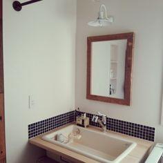 BRINDLEさんの、実験用シンク,造作洗面台,足場板鏡,ランドリーパイプ,タイル,バス/トイレ,のお部屋写真