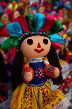 Dolls of Mexico Mexican Folk Art, Mexican Style, Mexican Crafts, Mexican Skulls, Bjd Doll, Bratz Doll, Mexican Heritage, Mexico Culture, Mexico Art
