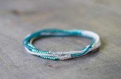 Delicato Bracciale Multi perline, gioielli di perline Blu Aqua seme, Beaded Bracciale Stretch con zircone naturale, Boho Chic Bracciale elastico