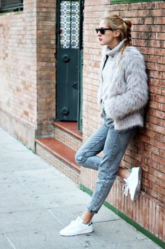 Tricky Style Problems Part How to Wear Cropped Trousers Without Freezing to Death Fall Fashion Outfits, Stylish Outfits, Winter Outfits, Autumn Fashion, Fashion Trends, Stan Smith Style, Prom Night Dress, Catwalk Models, Adidas Outfit