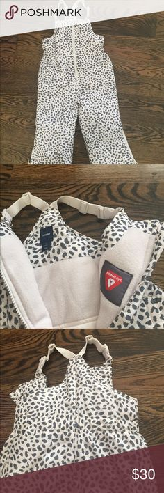 Baby GAP Snowsuit Cream/Grey Cheetah Print Snowsuit from Baby Gap. Fleece Inside. Zip front and Ankle. Adjustable Shoulder Straps. Used once GAP Other