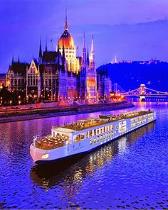 Premium Budapest River Cruise and fine dining on the Danube? Why settle for less when you can opt for the most popular Budapest Dinner Cruises? River Cruises In Europe, European River Cruises, Cruise Europe, Cruise Vacation, Family Cruise, Vacation Ideas, Danube River Cruise, Viking River, Cities