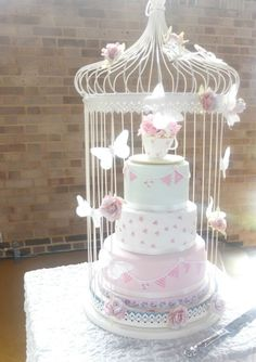 Gorgeous x Pearls & Lace Wedding Cakes