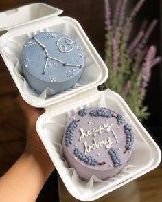 Butterfly Birthday Cakes, Pretty Birthday Cakes, Pretty Cakes, Fancy Cakes, Mini Cakes, Cupcake Cakes, Simple Cake Designs, Korean Cake, Pinterest Cake