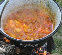 Főzzünk együtt!: Pincepörkölt bográcsban Hungarian Cuisine, Hungarian Food, Hungarian Recipes, My Recipes, Good Food, Curry, Eat, Cooking, Ethnic Recipes