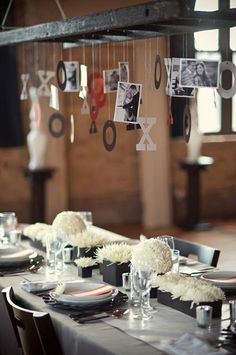 Fun idea for hanging pictures over a table - ladder :-) Deco Table, A Table, Dinner Table, Patio Table, Grey Table, Dessert Table, Chic Wedding, Wedding Day, Wedding Dinner