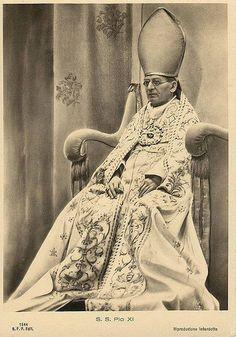 Pope Pius XI Pope Of Rome, Vatican City Rome, Pope Pius Xi, Catholic Memes, Juan Pablo Ii, Religion Catolica, Kirchen, Roman Catholic, Historical Photos