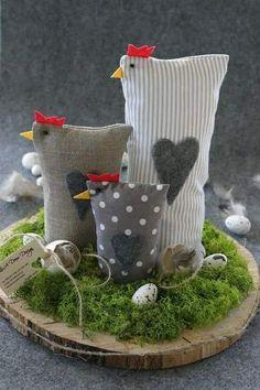 Ostern Deko Basteln DIY and Crafts XXL 2 Filz Huhner Ostern Deko Shabby Tilda art Landhaus Sewing Projects, Craft Projects, Projects To Try, Diy And Crafts, Crafts For Kids, Chicken Crafts, Chickens And Roosters, Easter Chickens, Deco Floral