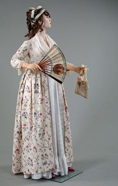 Florine. Printed Indienne open dress with linen skirt, England,1795. This dress had been altered from a Robe a l'Anglaise circa 1785). Private collection Barreto-Lancaster