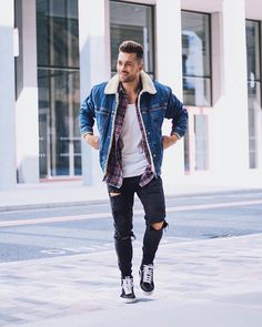 Yes or No? Follow @mensfashion_guide for more! By @aligordon89 #mensfashion_guide #mensguides