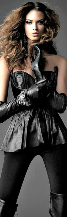 Black Leather Rocker Worthy ❣ www. Leather And Lace, Black Leather, Fashion Mode, Womens Fashion, Rock Fashion, Ladies Fashion, Fashion Outfits, Leder Outfits, Black Magic Woman
