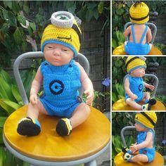 Ensemble bébé Minion 3 pièces,  bonnet, brassière salopette et chaussons