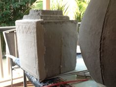 altering the basic paper mache clay recipe by adding Portland cement. Hes making huge pots with the mixture Cement Pots, Concrete Cement, Concrete Crafts, Concrete Projects, Cement Garden, Diy Projects, Outdoor Projects, Garden Pots, Garden Ideas