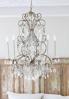 Lovely chandelier and shabby headboard Beautiful Lights, Beautiful Homes, House Beautiful, Estilo Shabby Chic, Rustic Walls, Chandelier Lighting, Birdcage Chandelier, Crystal Chandeliers, Antique Chandelier