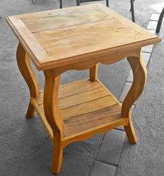Handmade Furniture, Wooden Furniture, Home Furniture, Cedar Table, Small Wood Projects, Small Tables, Furniture Styles, Furniture Design, Wood Design