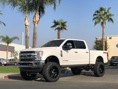 "Ford Super Duty equipped with a Fabtech 6"" 4 Link Lift Kit and Dirt Logic 4.0 Coilovers Ford Super Duty, Lift Kits, Monster Trucks, Link"