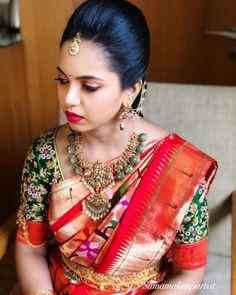 Bridal Sarees South Indian, South Indian Bridal Jewellery, Indian Bridal Fashion, Indian Fashion Dresses, South Indian Bride, Bridal Jewelry, Cutwork Blouse Designs, Bridal Blouse Designs, Saree Jewellery
