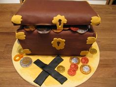 Super cool edible novelty pirate cake.