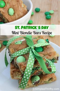 Mint Blondie Bars and St. Patrick's Day Food Ideas for Kids and Adults. St Patricks Day Recipes. Party Food Ideas. St Pattricks Day Ideas