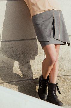 Jupe féminine et créative ! www.nicolasvillani.fr #jupe #féminité #créativité #ambiance #soleil #madeinitlay #nicolasvillani #paris #atelierdecréation #fashion #fashionstore #inspiration Photos : @CAMBRElive