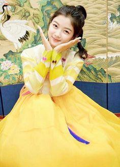김유정 Kim Yoo Jung Photoshoot, Kim Joo Jung, Oriental Fashion, Oriental Style, Exotic Beauties, China Girl, Korean Actresses, Korea Fashion, Korean Model