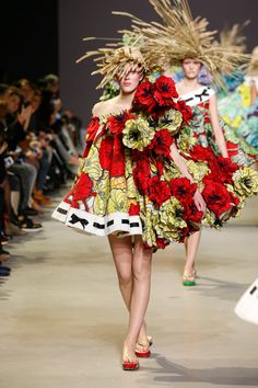 Viktor & Rolf presented A-line dresses with floral patterns and appliquéd petals that were inspired by the Dutch impressionist's paintings.